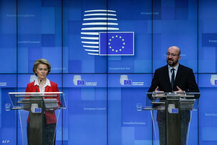 Ursula Von der Leyens és Charles Michel az EU vezetők keddi COVID-19 koronavírus videókonferenciája utáni sajtótájékoztatón Brüsszelben