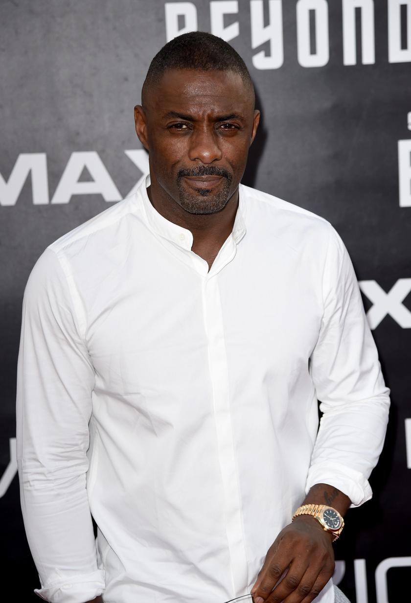 Idris Elbáról hétfő este derült ki, hogy elkapta a betegséget.