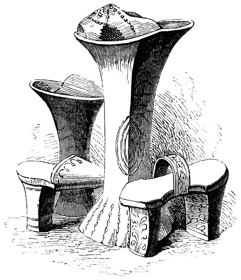 A chopine cipőket kezdetben a prostituáltak, majd a gazdag hölgyek hordták. A praktikum mellett azért is lett olyan népszerű, mert sokat dobott a nők magasságán, akik ezáltal még előkelőbbnek, különlegesebbnek érezték magukat.