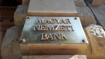 A lakossági hitelekre is törlesztési moratóriumot kér az MNB