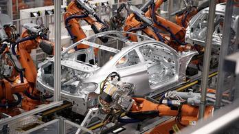 Újabb autógyárak állnak le Európa-szerte