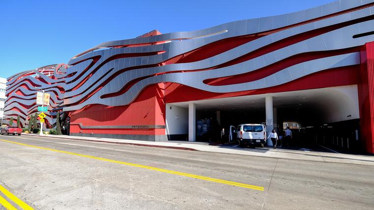 A Los Angeles-i Petesen Automotive Museum a világ egyik legnagyobb és legrangosabb autógyűjteménye