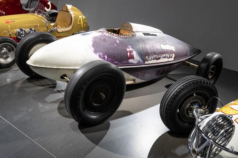 Ezt a fura ufót két olyan csávó készítette, akik 1937-ben ott voltak a ma is élő és létező, sebességi rekordkísérleteket felügyelő és szervező Southern California Timing Association (SCTA) alapításánál
