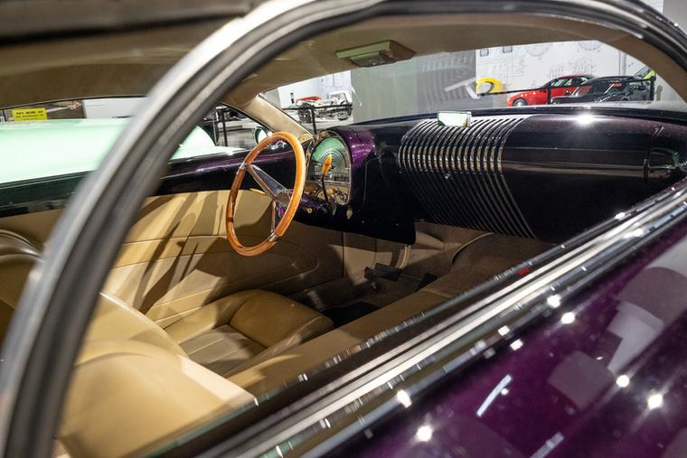 Innen irányítja Gibbons a létező legnagyobb amerikai széria-V8-assal, egy Cadillac-féle 8,2 literessel szerelt Cadzzilláját