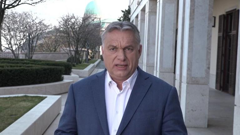 Orbán Viktor: Felfüggesztik a hiteltörlesztéseket az év végéig