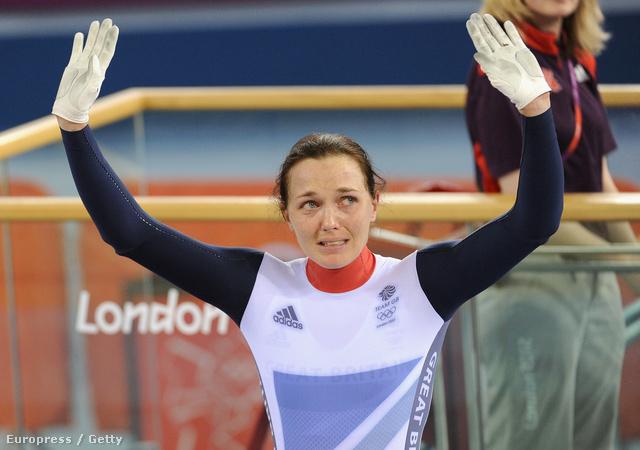 Victoria Pendletonnál, a britek ezüstérmes sztárbringásánál is eltörött a mécses a női sprint után.