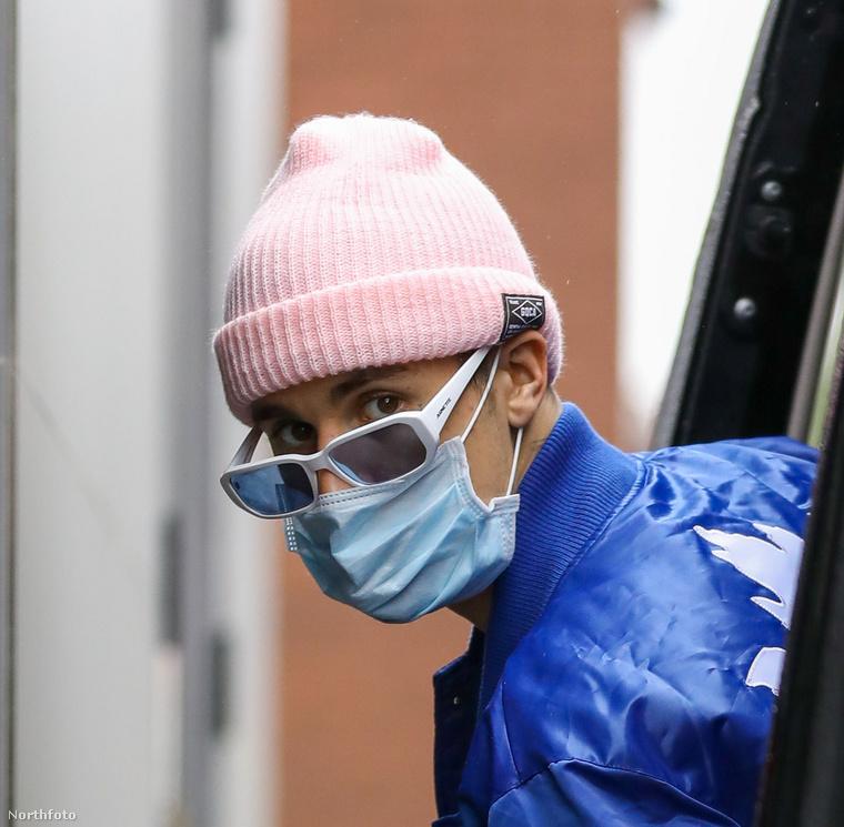 Bátran bevalljuk, először azt hittük, Miley Cyrust látjuk a képen, de aztán rádöbbentünk, hogy nem, ez a személy valójában Justin Bieber