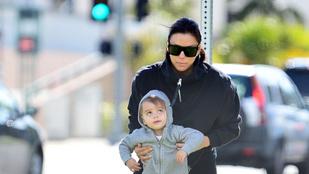 Eva Longoria kivitte a kisfiát a karanténból, mentek utánuk a fotósok