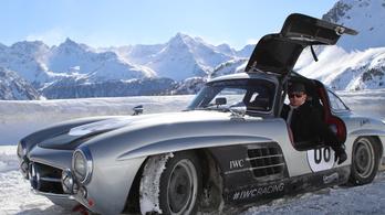 350 millió forintnyi autóval hóban veretni