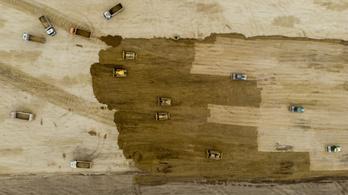A járvány ellenére nem áll le a debreceni BMW-gyár építése