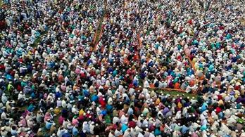 Több tízezren imádkoztak a koronavírus első bangladesi áldozatának lelki üdvéért