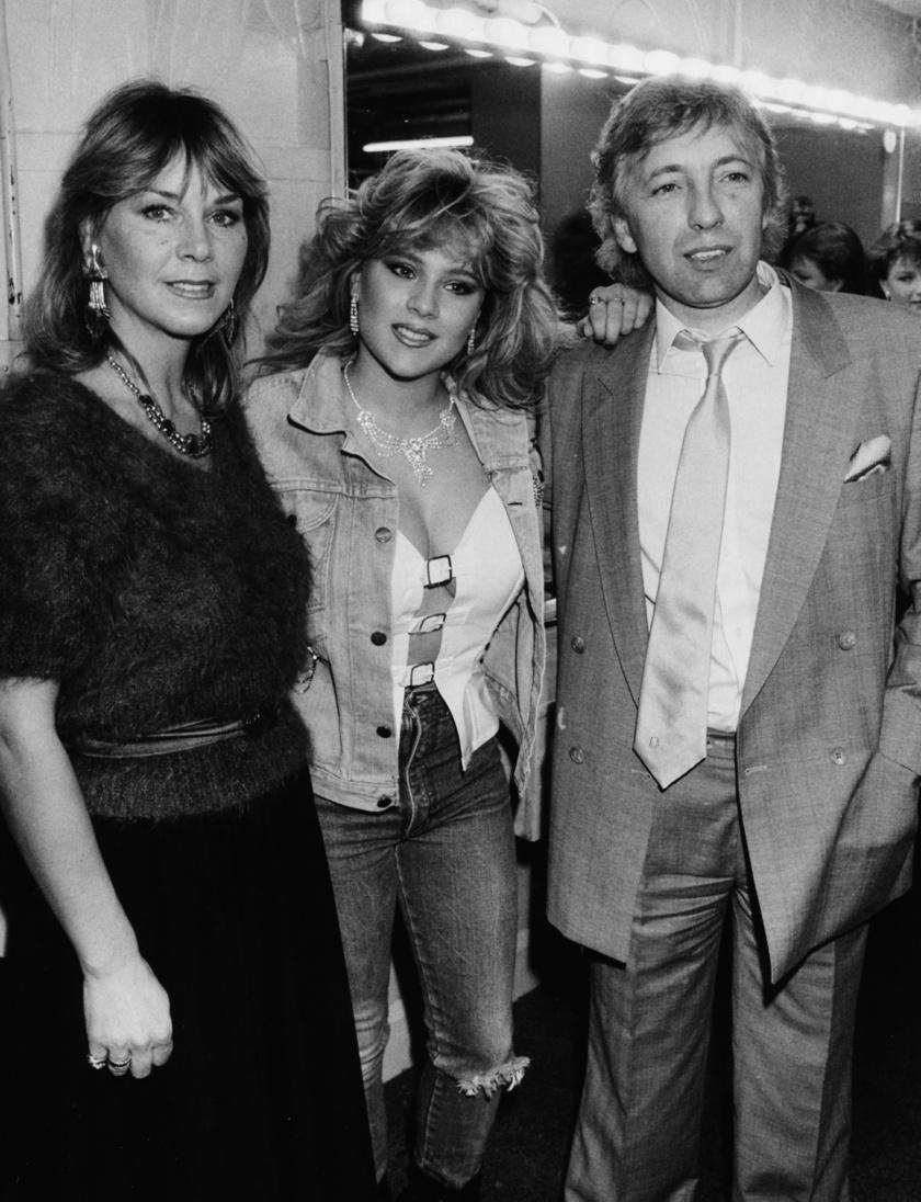 Samantha Fox a szüleivel 1986-ban.