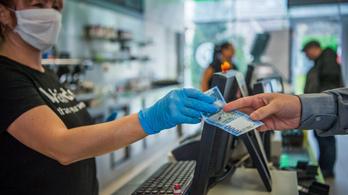Koronavírus: Még a kártyás fizetés sem teljesen biztonságos megoldás