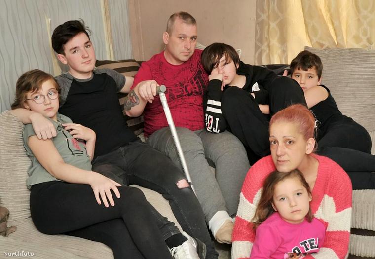 Tony Stevens és családja – kattintson a képre nagyobb verzióért!