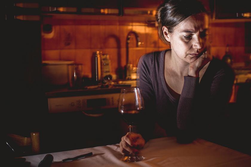 Az alkoholizmus 3 stádiuma: hogyan kezdődik, és mikor muszáj orvoshoz fordulni?