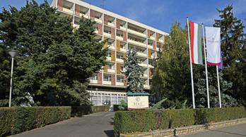 Vasárnaptól bezárják Mészáros Lőrinc szállodáit