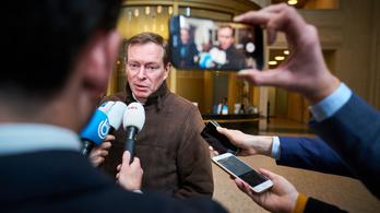 Lemondott a holland egészségügyi miniszter, miután összeesett a parlamenti vitán