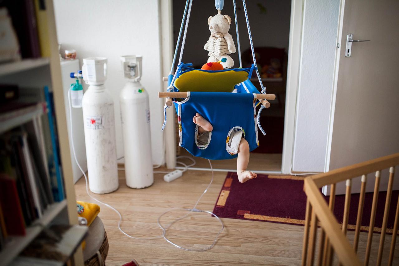 Tamás és Éva végül együtt térhettek haza a kórházból. A kisfiúnak a megfelelő keringéshez még hónapokig oxigén ellátásra volt szüksége, de állapota folyamatos javulásnak indult. A megrázó események azért így sem múltak el nyom nélkül, Tamás a kórházat követően még hetekig felsírt éjszakánként.