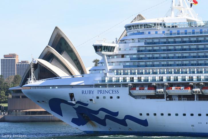 A Ruby Princess Sidneyben 2020 március 19-én