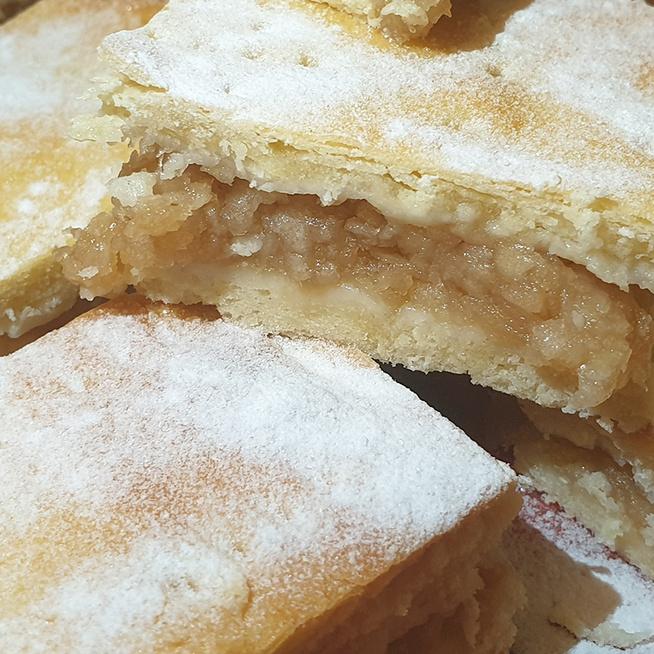Mennyei, fahéjas almás pite - A tejföltől lesz igazán omlós a tésztája
