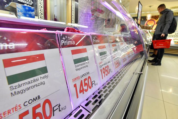 Hentespult egy budapesti szupermarketben