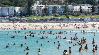 A koronavírus ellenére tömve volt Sydney strandja, most bezárják