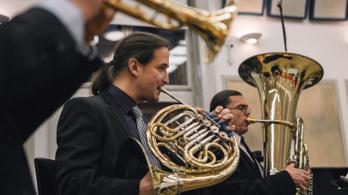 Este Mozart, szamba és jazz az Indexen!