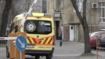 RTL: Elkapta a koronavírust egy szegedi orvos, aki nem vonult karanténba az ausztriai síelés után, hanem bement dolgozni