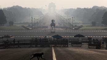 Indiában kijárási tilalmat vezettek be a koronavírus miatt