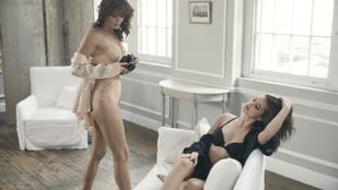 Két generáció: Helena Christensennel szexizett Palvin Barbara