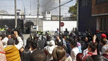 Durva börtönlázadás volt Bogotában