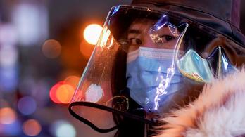 Kínában 43 ezer tünetmentes, a statisztikákból kimaradó fertőzöttet is azonosíthattak