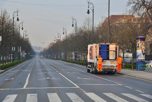 Kukásautó az Andrássy úton 2020. március 21-én