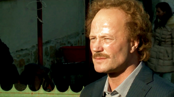 Stohl András a TV2-n csodálkozik rá a mozgólépcsőre