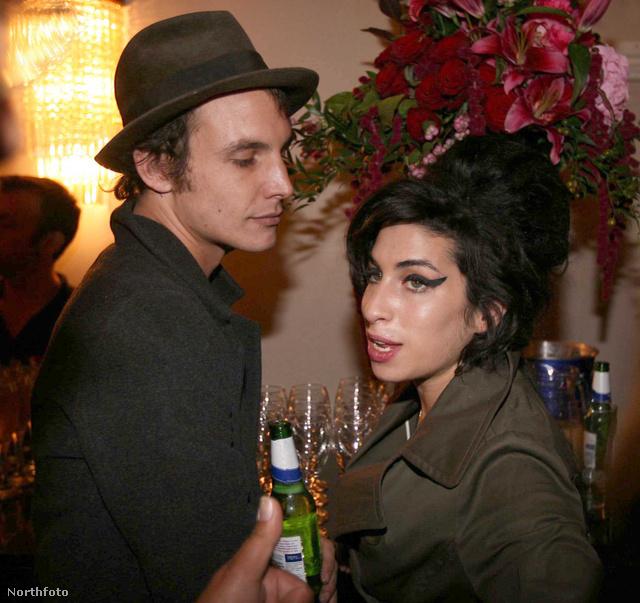 Blake Fielder-Civil és Amy Winehouse egy archív képen