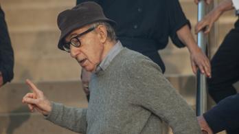 Nem várt fordulattal jelent meg Woody Allen önéletrajza