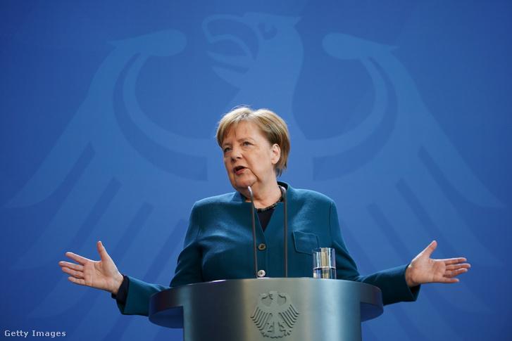 Angela Merkel egy, a koronavírussal kapcsolatos sajtótájékoztatón 2020. március 22-én Berlinben.