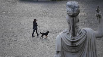 Olaszországban drónokkal ellenőrzik, hogy a lakosok betartják-e a kijárási tilalmat