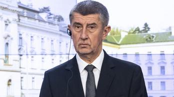 Nyilvánosan bocsánatot kért a cseh miniszterelnök a járvány kezelése alatti hibáikért