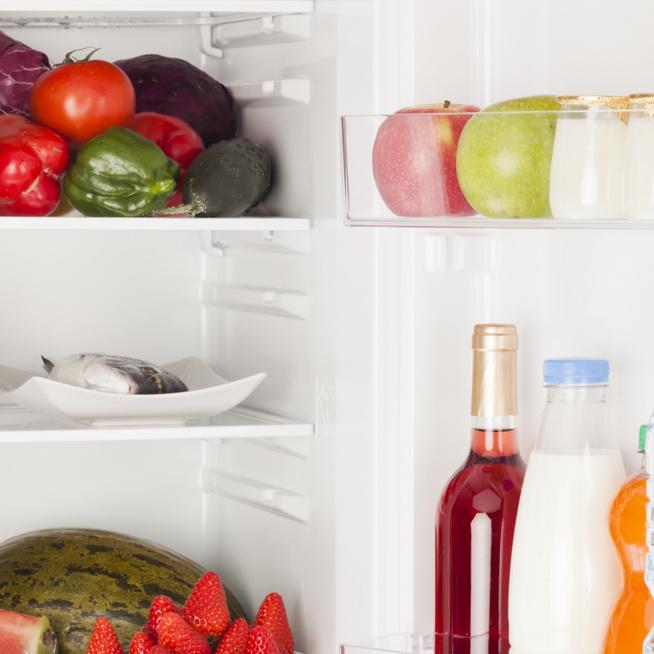 Mit tároljunk és mit ne a hűtőszekrényben? Az sem mindegy, melyik polcra tesszük