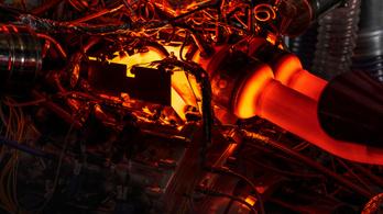 Saját V6-os motort fejlesztett az Aston Martin