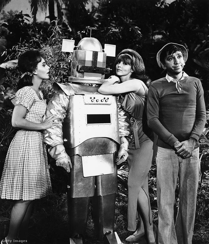 A Gilligan's Island című amerikai tévéműsor egyik 1966-os epizódja azzal foglalkozott, hogy egy robot már a puszta létével is kiérdemli a nők figyelmét