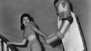 Hatalmas csajozógépek voltak a XX. század robotjai