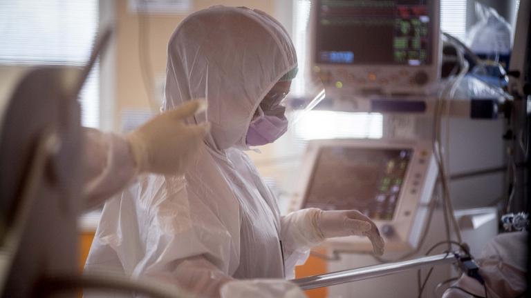 Olaszországban 743-an haltak meg egy nap alatt koronavírusban, megfordult a trend