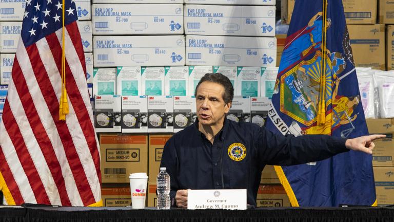 New York kormányzója: Válasszák ki azt a 26 ezer embert, aki meghaljon!