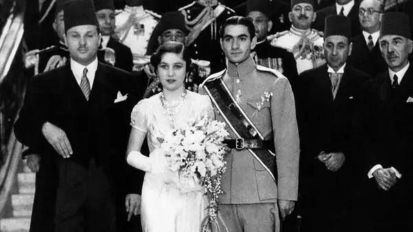 Pahlavi trónörökös és Fauzija hercegnő esküvője Egyiptomban