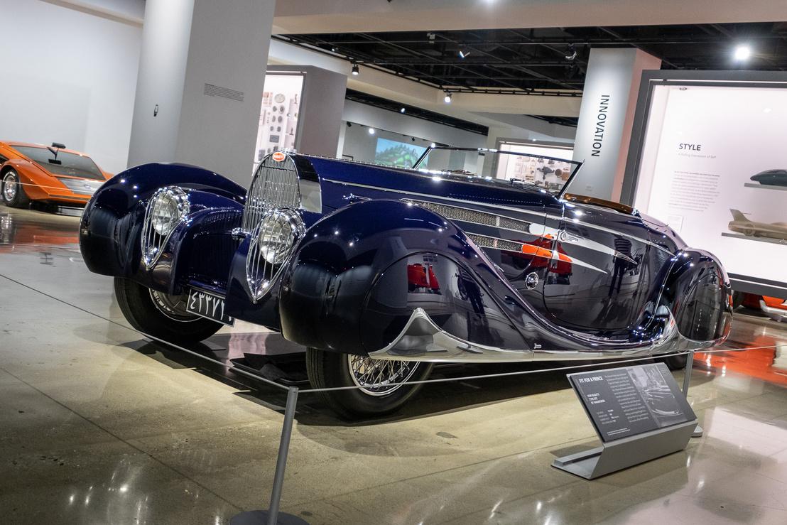 Bugatti Type 57C Vanvooren - a Petersenben