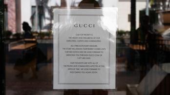 A legmenőbb luxusdivatmárkák is átállnak az arcmaszkgyártásra