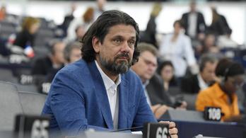 A Bizottság és az EP is foglalkozik már a koronavírus-törvénnyel