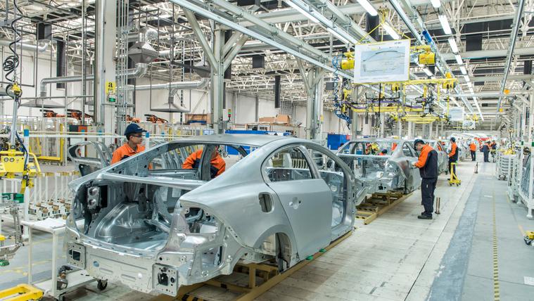 Kínában ismét termel az autógyárak többsége